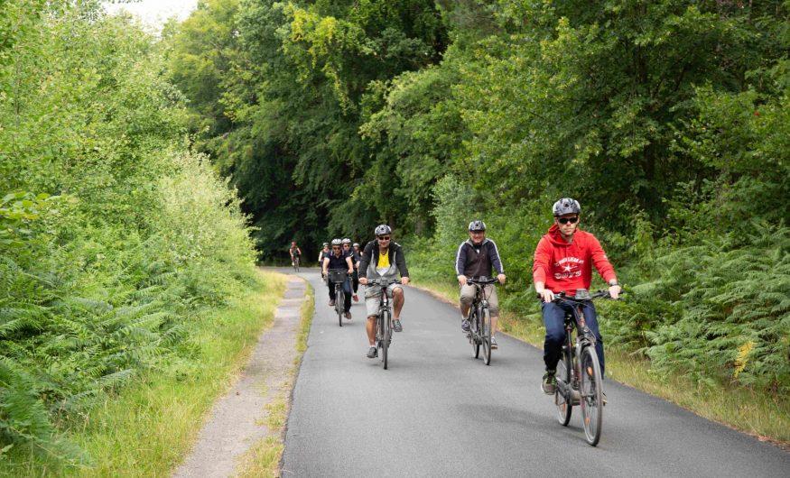Balade en vélo entre amis au départ de la forêt de Marchiennes